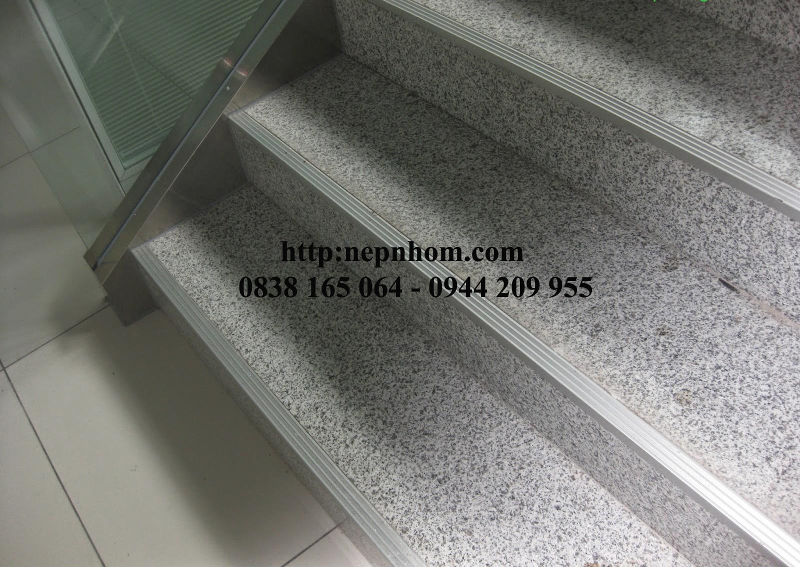 Nẹp chống trượt cầu thang với ưu và nhược điểm
