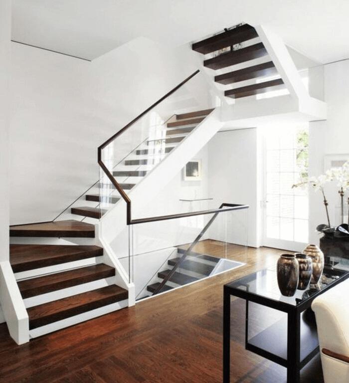 Bảo quản và vệ sinh các loại cầu thang