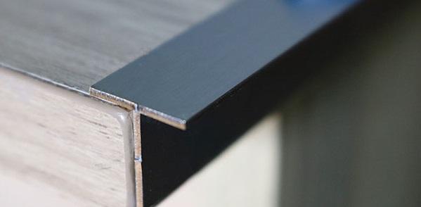 Lí do bạn chọn nẹp inox 304 chữ T để sử dụng trong trang trí nội thất?
